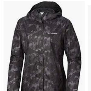 NWOT Columbia women's rain jacket Large